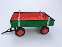 Trailer green-red with red metals. disks